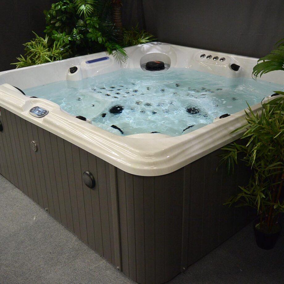 Blue whale spa - Huntington Beach - Product Image - 13