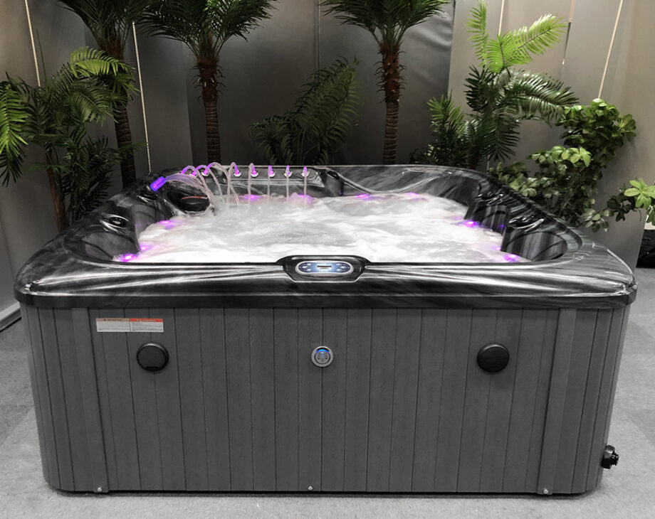 Crescent Bay Deluxe 3 Hot Tub Water