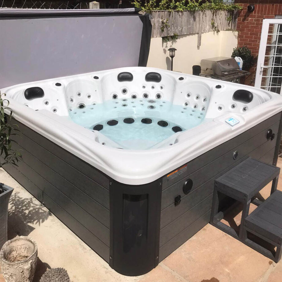 Imperial Max Hot Tub Lifestyle View