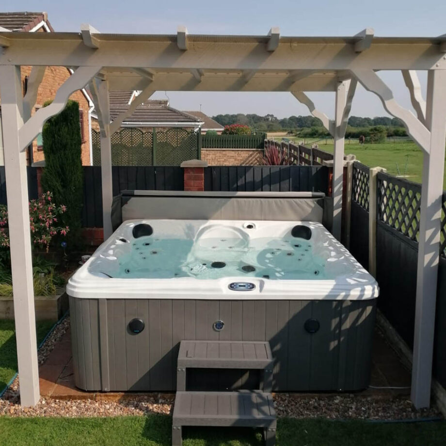 Hatton Bay 6 seater Hot Tub Install Image 2