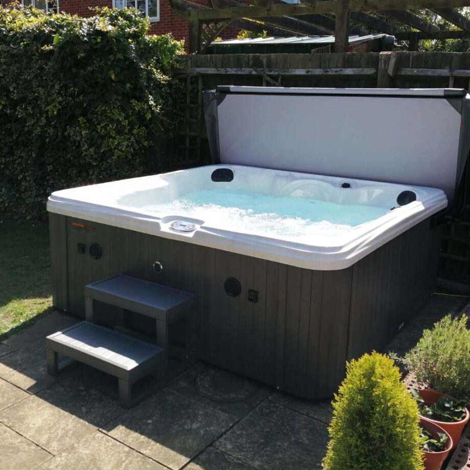 Hatton Bay 6 seater Hot Tub Install Image 3